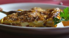 Lasagne Marche-style (vincisgrassi) praised so much by Silvia. Made in italy by silvia colloca Mince Recipes, Pasta Recipes, Chicken Recipes, Savoury Recipes, Wild Mushrooms, Sbs Food, Beef Pasta, Lasagna