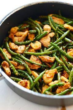 Poulet mit grünen Bohnen