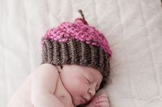 Ravelry: cupcake hat pattern by aimee powers