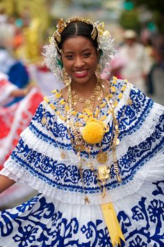 15 Incredible Photos of Afro Panamanian Traditional Dress | Black Girl with Long Hair