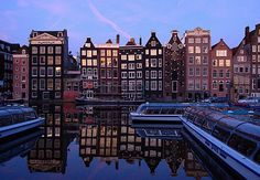 AMSTERDAM  TOP 10 MOSTBEAUTIFULL CITIES IN THE WORLD  www.factsharing.info/nature/top-10-mostbeautifull-cities-...  Each of the thousands of buildings that line Amsterdam's main canals can be classified as a monument, beautifully kept as apartments, offices, cafés, restaurants, and even brothels. All together they form an aesthetic uniformity that make the city.