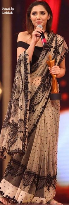 Best Pakistani saree design I've seen so far. Oh and that hairstyle, fab~ <3