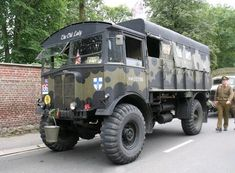 My vacation is ending, unfortunately. In my returning home, a commission is waiting for me: Build an AEC Matador. Old Lorries, Expedition Truck, British Armed Forces, British Sports Cars, Army Vehicles, Heavy Truck, Vintage Trucks, Commercial Vehicle, Panzer
