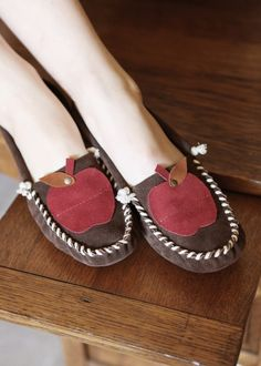 Brown Apple Moccasins by darlingtonia on Etsy, $129.00    I love these!  Would be so cute to teach in!