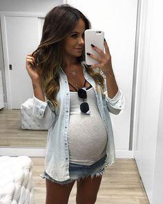 All jeans e minha ! Esses jeans que uso são tamanhos maiores cats! Não comprei nada específico para gestante, apenas improviso com o que tenho ou invisto em peças que sei que vou usar após minha também! #ootd #outfit #pregnant #baby