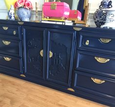 Deep navy lacquered Hollywood regency Chinoiserie buffet sideboard dresser