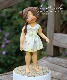 sweet girl - Cake by Nili Limor