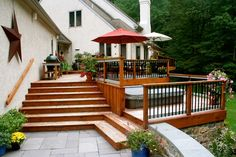 This deck landscaping is perfect for multiple purposes.