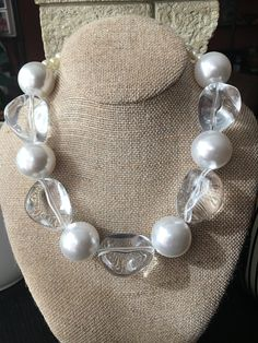 Jewelry Metals: Stone and Gems: Discount Jewelry: Cleaning and other tips: Jewelry Collection: Pearl Necklace Designs, Diy Necklace, Necklace Ideas, Necklace Tutorial, Handmade Necklaces, Handmade Jewelry, Beaded Jewelry, Jewelry Necklaces, Discount Jewelry