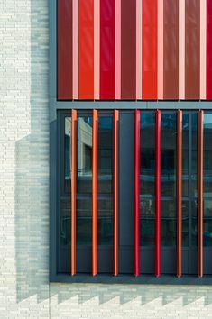 Galeria de Universidade de Ciências Ruhr West / HPP Architects + ASTOC - 10