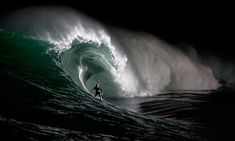 The most accurate and trusted surf reports and forecasts and coastal weather. Surfers from around the world choose Surfline for dependable and up to date surfing forecasts and high quality surf content, live surf cams and features. No Wave, Big Waves, Ocean Waves, Water Waves, Black White Photos, Black And White Photography, Surf Mar, Wind Surf, Surfs Up