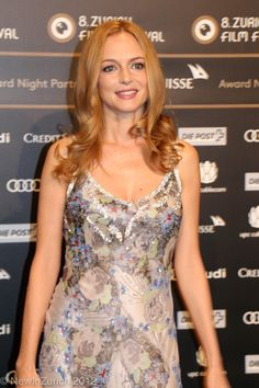 Heather Graham Hot Photoshoots And Hd Wallpapers Gallery Heather Graham Hot, Festival Fashion, Film Festival, James Graham, Night Film, Wallpaper Gallery, Bikini Pictures, American Actress, White Dress