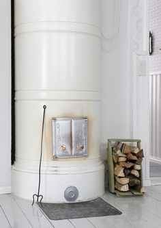 Stove Fireplace, Home Projects, Sweet Home, Old Things, Indoor, House, Home Decor, Stoves, Country Life