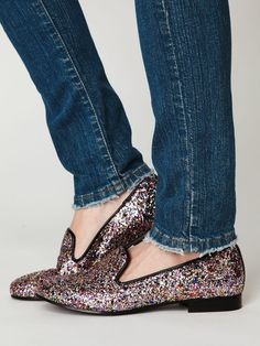 glitter loafers. I'm lucky to have these bad boys in my closet and I love them. LOVE THEM. Steve Madden you're a genius.