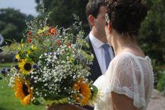 British Flowers, Rustic Wedding Flowers, Fall Flowers, Simple Weddings, Wedding Decorations, Wedding Ideas, Flower Power, Bouquet, Seasons
