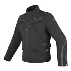 This is dedicated to touring riders who are looking for a heavyduty jacket with a good price to quality ratio but who do not want to do without the important technical components that are so important when covering long distances. Gore Tex Jacket, Riding Jacket, Evo, Motorcycle Jacket, Jackets For Women, Man Shop, Black, Touring, Safety