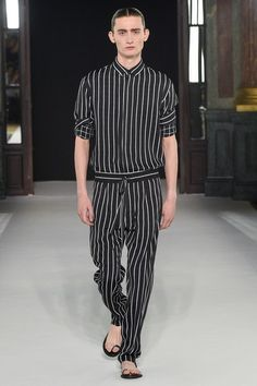 See the complete Haider Ackermann Spring 2018 Menswear collection.