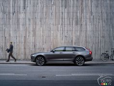 #Volvo V90, V90 Cross Country pricing announced for Canada | Car News | Auto123