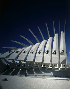 Kuwait Pavilion for Expo Seville, Spain 1992 Santiago Calatrava Unusual Buildings, Amazing Buildings, Modern Buildings, Beautiful Architecture, Modern Architecture, Futurism Architecture, Neo Futurism, Santiago Calatrava, Building Structure
