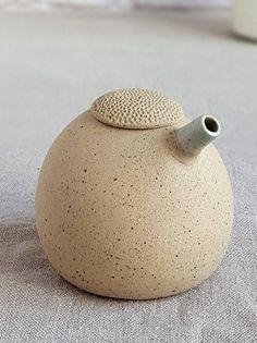 Oil and vinegar set Ceramic olive oil dispenser oil and Pottery Teapots, Ceramic Teapots, Ceramic Clay, Ceramic Bowls, Slab Pottery, Ceramic Pottery, Pottery Vase, Cerámica Ideas, Olive Oil Dispenser