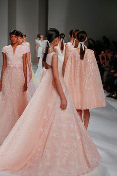 Georges Hobeika at Couture Spring 2015 - Runway Photos Runway Fashion, High Fashion, Fashion Show, Fashion Design, Fashion Fashion, Luxury Fashion, Georges Hobeika, Elie Saab, Couture Week