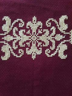 This Pin was discovered by Arz Cross Stitch Borders, Cross Stitch Charts, Cross Stitch Designs, Cross Stitching, Cross Stitch Embroidery, Cross Stitch Patterns, Crochet Cross, Filet Crochet, Creative Embroidery