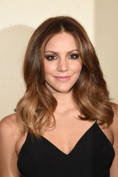 Katharine McPhee at 'The Grove Christmas with Seth MacFarlane' in 2015. http://beautyeditor.ca/2015/11/18/best-beauty-looks-jennifer-lawrence