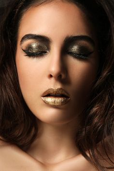 Another beautiful make-up concept. Golden Lips