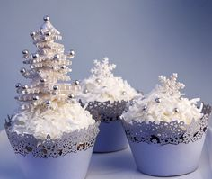 All cupcakes. All the time. Everything you need and want to know about cupcakes, including videos, recipes, photos, and of course my blurbs about it all. Who doesn't love a little cupcake in their life? Winter Cupcakes, Christmas Tree Cupcakes, Holiday Cupcakes, Christmas Sweets, Noel Christmas, Christmas Goodies, Holiday Treats, Christmas Baking, White Christmas