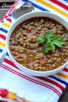Lentilles blondes à la marocaine (oignons, tomate, concentré de tomates, ail, cumin, coriandre)