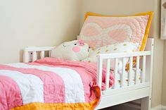 ADORABLE bedding from @Matty Chuah Land of Nod in this modern #biggirlroom - can't get enough!