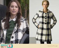 Spencer's black and white checked coat on Pretty Little Liars. Outfit Details: http://wornontv.net/24951 #PrettyLittleLiars #fashion #PLL