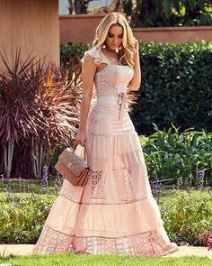 How to Style a Bohemian Maxi Dress Boho Style Dresses, Boho Outfits, Simple Dresses, Boho Dress, Cute Dresses, Beautiful Dresses, Dress Outfits, Lace Dress, Casual Dresses