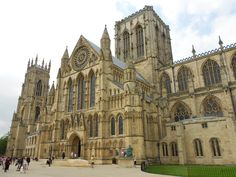 York - 8 Best Places to Visit in England- Travel Mind Map Best Places To Travel, Best Cities, Cool Places To Visit, York Minster, Cathedral City, Barcelona Cathedral, York City Centre, Visit York, National Railway Museum
