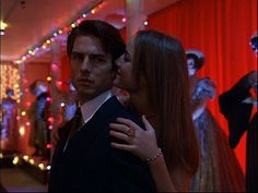 Eyes-Wide-Shut-09.jpg