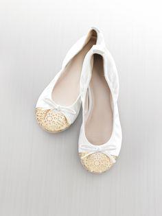 The simple sophistication of Simply Vera Vera Wang flats. #shoes #Kohls