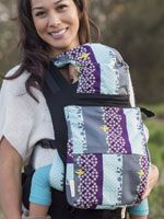 Beco Soleil Baby Carrier - Carry All Bag  is the perfect accessory for your Beco Soleil Baby Carrier! This bag snaps to your carrier to make your babywearing truly handsfree - perfect for days out with baby, travel or hiking. Roomy!  You can easily fit basic necessities for a day out, including a few diapers, change of baby clothes, sippy cup snacks and more.