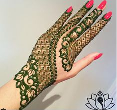 Mehndi Designs For hands - we made a detailed guide of mehndi designs for hands that can help you decide your upcoming mehendi look! Henna Hand Designs, Mehndi Designs Finger, Modern Mehndi Designs, Mehndi Designs For Girls, Mehndi Design Pictures, Mehndi Designs For Fingers, Beautiful Henna Designs, Arabic Mehndi Designs, Latest Mehndi Designs