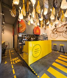 Ham On Wheel Barcelona Project byForm & Co Spanish studio Form & Co designed the graphic identity of Ham on Wheels, a new concept restaurant of premium fast-food, specializing in baked bread with