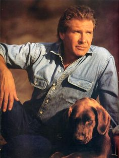 Harrison Ford is one of the best actors ever! Harrison Ford Indiana Jones, Star Wars Classroom, Celebrity Dogs, Han And Leia, Solo Photo, Hollywood Men, Tough Guy, Carrie Fisher, Light Of My Life