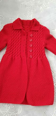 Tapadito niña Crochet Baby, Knit Crochet, Little Rose, Knitted Slippers, Baby Knitting Patterns, Knitwear, Girls Dresses, Pullover, Couture