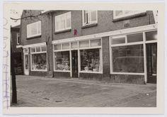 1968 Woonhuizen-winkel aan de Soesterweg 222, 224 en 226 Windows, The Hague, Window