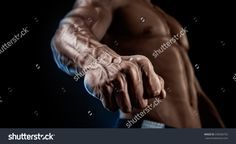 Right-Hander Punch. Close-Up Of A Man'S Fist. Strong And Power Man'S Hand With Muscles And Veins. Studio Shooting. 写真素材 238306735 : Shutterstock