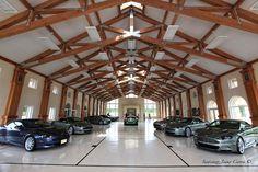 Spacious Luxury Garage #dreamgarage #mancave #homeformyhoseltonvehicle