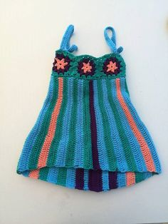 Turquoise flavour Dress it's a dress made with love for small little girls of one year old. It's handmade crocheted and that's why can be easily customized (colors and size). Fingerless Gloves, Turquoise, Summer Dresses, Trending Outfits, Crochet, Unique Jewelry, Awesome, Handmade Gifts, Etsy
