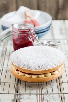 This Vegan Cake recipe is a deliciously light vegan version of the very classic Victoria Sponge Cake with vegan frosting and homemade raspberry jam! Vegan Victoria Sponge, Victoria Sponge Cake, Vegan Frosting, Vanilla Frosting, Best Vegan Cake Recipe, Cake Recipes, Dessert Recipes, Desserts, Homemade Raspberry Jam