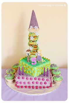 Loving this cake.  Disney's Tangled Birthday Party: Face Paint | Magical Day Parties | A Fan Site Celebrating Disney Themed Events
