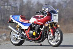 Honda CB1100R meets CB1300SF