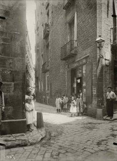 Barcelona 1909 Calle de la Avellana, Foto: Josep Brangulí