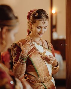 Tired of scrolling through a bunch of pages to find that perfect blouse designs? Check out the top most South Indian blouse designs to pair with a kanjeevaram saree- Eventila South Indian Blouse Designs, Blouse Neck Designs, South Indian Weddings, South Indian Bride, Kerala Saree, Plain Saree, Simple Sarees, Colorful Fashion, Indian Fashion
